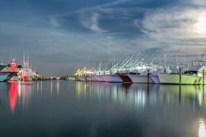 pirates cove billfish tournament boats at night