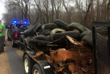Arkansas GFC Wildlife Officers Clean Up 'Trache on the Cache'