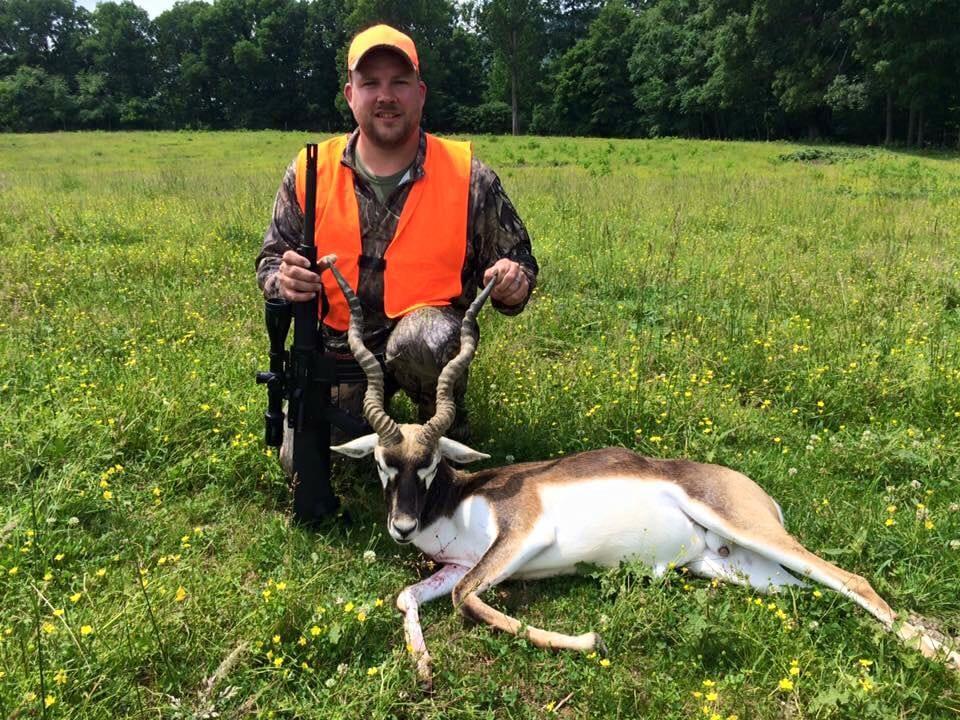 guaranteed hunts at wilderness hunting lodge