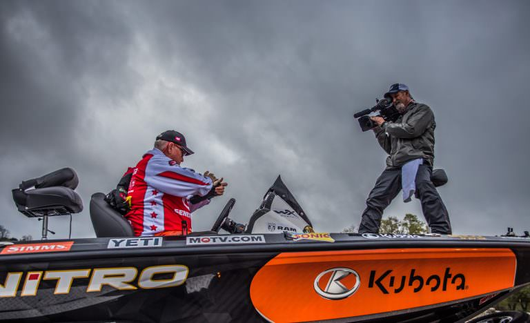 Major league fishing earns top ratings fin and field blog for Major league fishing com